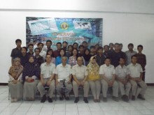 penyerahan sertifikat professional Foresec Certified in Networking Security (FCNS)